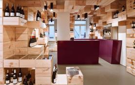 Thiết kế nội thất showroom bán rượu ngoại đẹp
