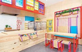 Thiết kế nội thất quán cafe take away đa sắc màu